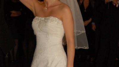 Suknia Cosmobella od Lisa Ferrera