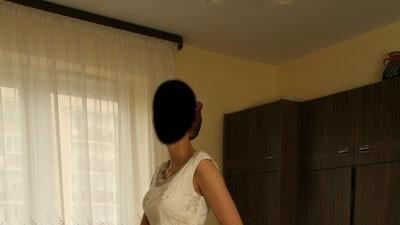 Suknia ecru z koronką