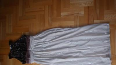 Suknia Monari model z 2010 roku