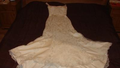 suknia Pronovias kolor ecri
