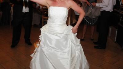 Suknia ślubna Agnes 1740 rozmiar 36/38 + dodatki