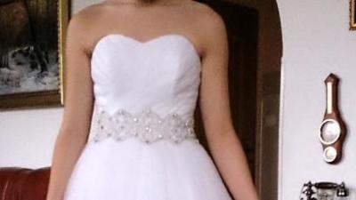 Suknia ślubna Agnes model Platinum Collection 750