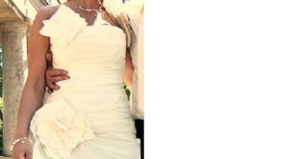 suknia ślubna asymetryczna cymbeline