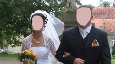 suknia ślubna biała delikatna, perełki