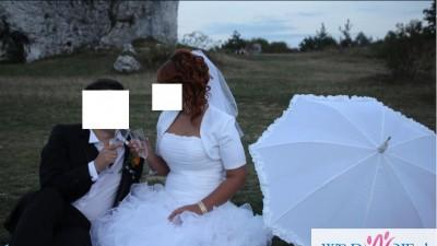 Suknia ślubna bolerko welon oraz biżuteria