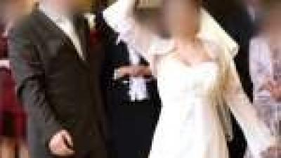 3d5202beb1 Sprzedam piękną suknię ślubną z kryształkami - Suknie ślubne ...