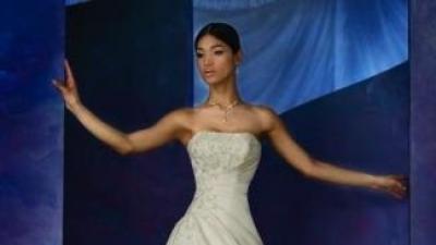 suknia ślubna COSMOBELLA 7289, wiązana z tyłu