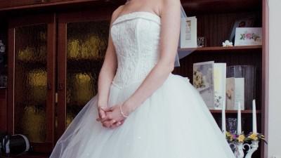 Suknia ślubna Dawid's  Bridal z dodatkami.