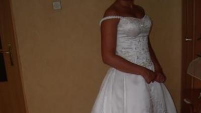 suknia ślubna DEmetrios z kolekcji LThe princess