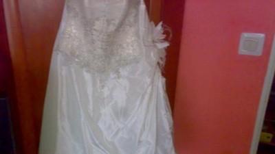 Suknia ślubna ecri z platyna