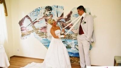 Suknia ślubna ecru z trenem tanio