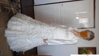 Suknia ślubna ecrue 900żł