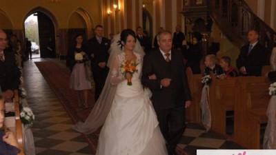 Suknia Ślubna Emmi Mariage model Perle