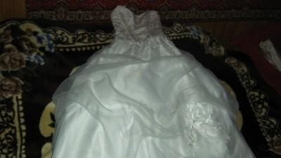 Suknia Ślubna Estera wraz z bolerkiem opinany tren