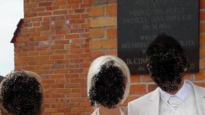 Suknia ślubna firmy Gala (r. 36) + gratisy 600 zł