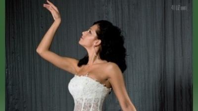 Suknia ślubna firmy MS MODA kolekcja 2009, model LIZ