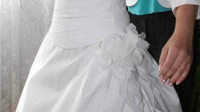 suknia ślubna La Sposa-draperia ze skosu + GRATISY