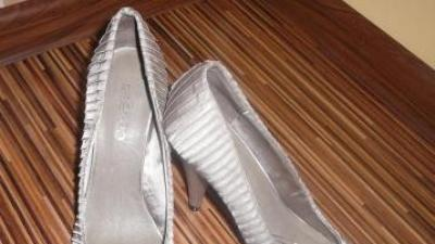 Suknia ślubna LA SPOSA FANAL 38