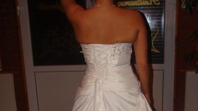 suknia ślubna ładna i lekka