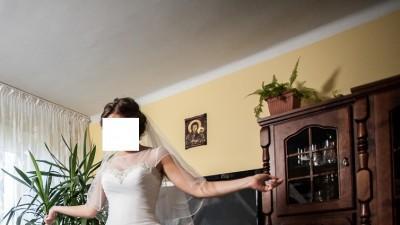 Suknia Ślubna Lillian West 6317 GRATIS welon i bolerko