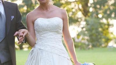 Suknia Ślubna Lisy Ferrery Demetrios 9700