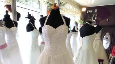 Suknia ślubna lśniąca princessa