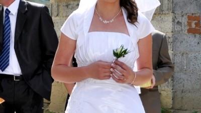 Suknia ślubna plus gratisy...