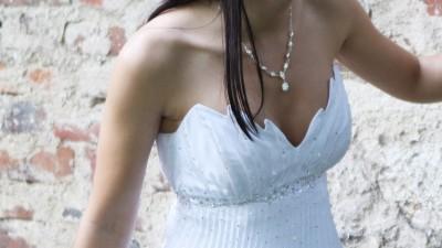 suknia ślubna rozm 34 plisowana, kamyki swarovskiego