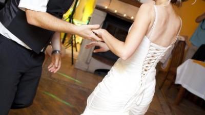 Suknia ślubna rozm. 38 + bolerko + krawat dla Pana Młodego (Wrocław)
