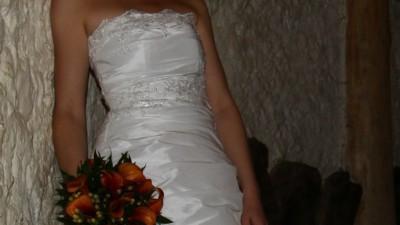 Suknia ślubna - rozmiar 38 + gratisy