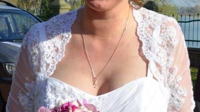 suknia ślubna rozmiar 42-44-46 pięknie kryjąca brzuszek