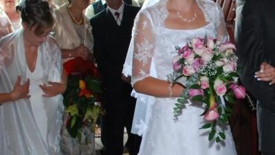Suknia ślubna szyta na wzór Sposa Royale firmy Maggie Sottero.