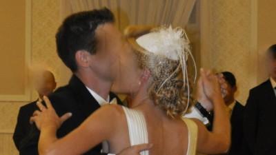 Suknia ślubna Vanessa model 1119 , bolerko, stroik do włosów z woalem.