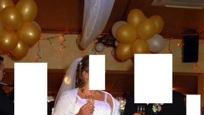 Suknia ślubna w dużym rozmiarze  ( w przybliżeniu rozmiar 50)