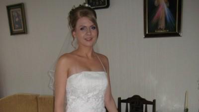 Suknia ślubna w kolorze b. jasnym ecri+ dodatki
