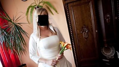 suknia ślubna w rozmiarze 42/44 maskująca brzuszek:-)))