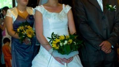 Suknia ślubna w stylu Jacklie Cennedy