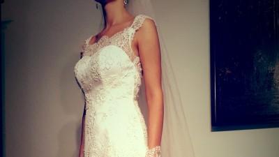 Suknia ślubna w stylu RETRO z włoskiej koronki Francesca Juliette Atelier