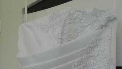 suknia ślubna. welon i szal gratis.