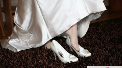 Suknia ślubna White On 411