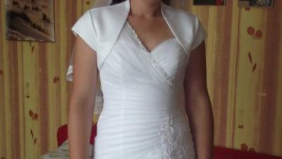 suknia ślubna z elementami koronkowymi romzm 38-40