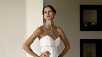 Suknia ślubna z kolekcji 2009 Herms ENOLA