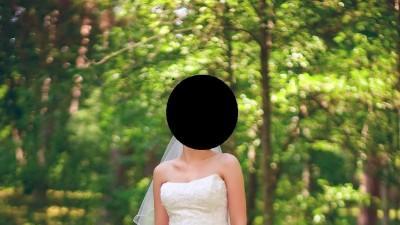 Suknia ślubna z kolekcji 2011 - Nerella
