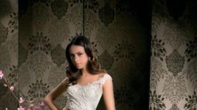 Suknia slubna z kolekcji Demetrios