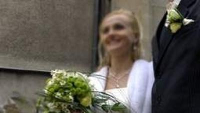 Suknia ślubna z koronką