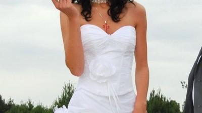 suknia ślubna z kryształkami