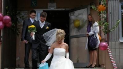 Suknia ślubna z salonu Evita ecru 38 + rękawiczki