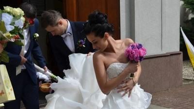 Suknia Ślubna z salonu Madonna. Famosa Md 22, roz. 34