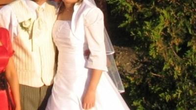 Suknia ślubna z tafty
