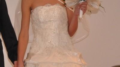 suknia ślubna z trenem, krótka z przodu